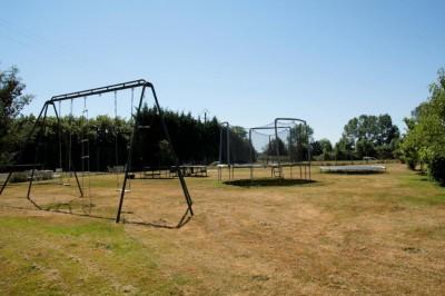 aire de jeux et trampolines