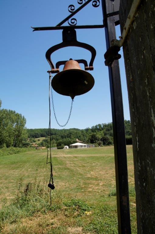 faire un voeu et sonner la cloche tibetaine